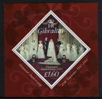 Gibraltar BF N° 77 XX  60ème Ann. Du Mariage De S. M. La Reine Elisabeth II Avec Pr. Philip,  Le Bloc Sans Charnière, TB - Gibraltar