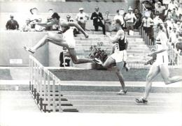 J.O Mexico 1968 - 400m Haies, Gerhard Henninge Franchissant Une Haie Devant Whiteney (canada) Et Hemery (G-B), Photo AFP - Jeux Olympiques