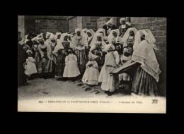 29 - BRIGNOGAN - Costumes De Fête - Brignogan-Plage