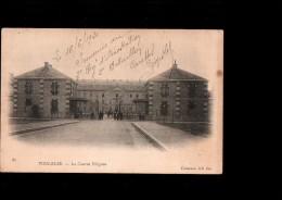 31 TOULOUSE Caserne Pérignon, Entrée, Animée, Ed ND 85, Dos 1900 - Toulouse