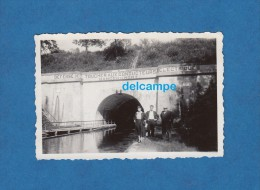 Photo Ancienne - MAUVAGES ( Meuse ) - Tunnel Du Canal Pour Péniche Et Bateaux - Barcos