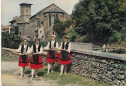 CPM - FOLKLORE BASQUE Groupe Folklorique Garaztarrak SAINT JEAN PIED DE PORT - MARCHANDES POISSONS  - édit Cap - Dances