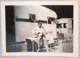 Photo. Camping. Caravane. Musicien. - Coches