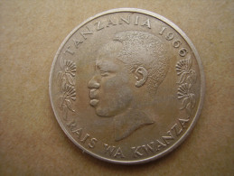 TANZANIA 1966 ONE SHILLING NYERERE Copper-Nickel  USED COIN. - Tanzanie