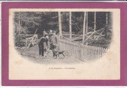 A La Frontière - Arrestation - Customs