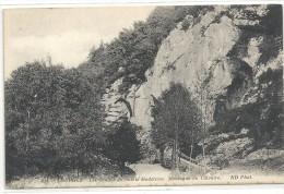 -214--LOURDES--LES GROTTES DE SAINTE-MADELEINE--MONTAGNE DU CALVAIRE---- - Lourdes