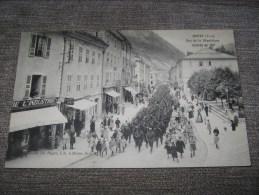 Cpa De MOREZ - Jura - RUE DE LA REPUBLIQUE - ARRIVEE DU 133° - Défilé - Morez