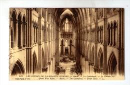 Cp , Militaria , Les Ruines De La Grande Guerre , REIMS , La Cathédrale , La Grande Nef , 513 , Ed : Lévy Fils , Vierge - Guerre 1914-18