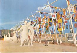 EXPO 58 Bruxelles - Les Oriflammes De La Terrasse De L'Esplanade - Exhibitions