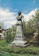 Cp , 48 , NASBINALS , Statue De Pierrounet , Célèbre Rebouteux - Frankrijk