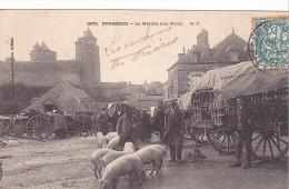 23061 FOUGERES - Marché Aux Porcs - 3073 GF - Charette Potrel - Cochon - Fougeres