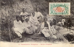 Madagascar - Tananarive - Groupe D'indigènes - Madagascar