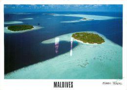 Villivaru Biyadhoo Atoll Island, Maldives Postcard Used Posted To UK 2000s Gb Stamp - Maldives