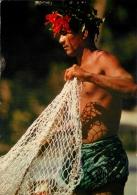 Fisherman With Net, Tahiti, French Polynesia Postcard - Tahiti