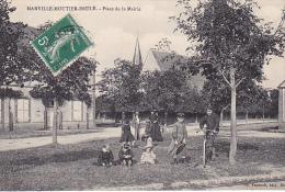 23122  MARVILLE MOUTIER BRULE Place Mairie -foucault Ed Dreux - Enfant Cerceau Velo