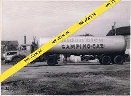 42 Saint Etienne Terrenoire CHAUDRONNERIE Camion UNIC Citerne CAMPING GAZ - Automobili