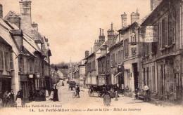 La Ferté-Milon..très Animée..rue De La Cité..Hôtel Du Sauvage..commerces..attelages - Autres Communes