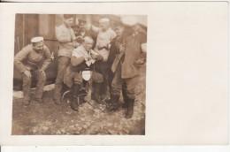 Carte Postale Photo Militaire Allemand COIFFURE-COIFFEUR à LEIPZIG (Deutschland-Allemagne) VOIR 2 SCANS - - Manovre
