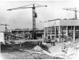 MONTLUCON CONSTRUCTION DE L'ECOLE NATIONALE ENET EN 1954 GRUE DOCUMENT GRAND FORMAT RARE 3 EME VUE GRUES OUVRIERS - Montlucon