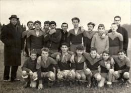 Photo De Presse - VILLERS COTTERETS - Equipe De Football Du CEG De SOISSONS - Années 60 - Deportes