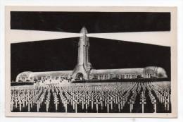 Champs De Bataille De Verdun - Ossuaire Et Cimetière De Douaumont - Effet De Nuit (9x14 Cm) - Soldatenfriedhöfen