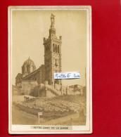 MARSEILLE NOTRE DAME DE LA GARDE VERS 1890 PHOTOGRAPHIE ARGENTIQUE EN TRES BON ETAT - Lieux