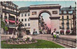 Dijon: RENAULT JUVAQUATRE - La Porte Guillaume, Hotel Du Nord, Café De La Congo, 'Robert' - France - Auo/Car/Voiture - Passenger Cars