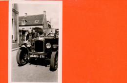 Photo GEVAER AIDAX De Dim. 11.5 X 7 Cm -Août 1952 En Route Pour BAYEUX (vieille Voiture) - Cartes Postales