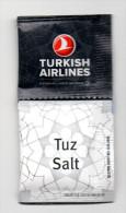 SACHETS DE SEL ET POIVRE - SALT AND PEPPER SACHETS - AIRLINES - COMPAGNIES AERIENNES - TURKISH AIRLINES - - Aviation Commerciale