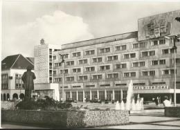 "Neubrandenburg - Hotel ""Vier Tore"" - Cachet Postal 12 Septembre 1977 - Neubrandenburg"