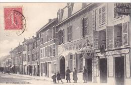 23199 SAINT-MIHIEL - Rue Sur Meuse -foliguet Photo Ed -hotel Café Des Bons Enfants -ets Trevis - Soldats - Saint Mihiel