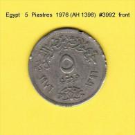 EGYPT    5  PIASTRES  1976 (AH 1396)  (KM # 451) - Egypt