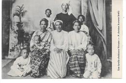 BIRMANIE - Une Famille Chrétienne Birmane - Myanmar (Birma)