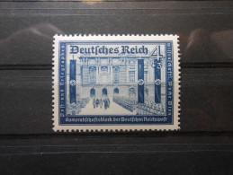 D.R.Mi 703  4+3Pf** Dkl.graublau  - Deutsche Reichspost 1939 - Unused Stamps