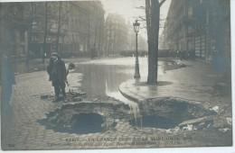 INONDATION De Paris, CRUE De La  SEINE,Effondrement D´un Egout, Boulevard Hausmann ,Scan Recto-Verso - Inondations
