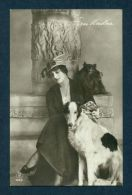 G6731 Postcard Pomeranian, Russian Wolfhound, Woman - Non Classés