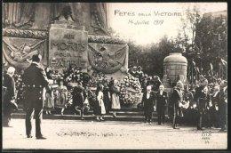 Photo-CPA Paris, Siegesparade / Fete De La Victoire 14. Juli 1919, Kränze Werden Am Le Monument Aux Morts Niedergelegt - Militaria