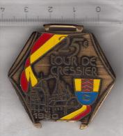 Broche Du 25e Tour De Cressier 1980 (course à Pied) - Sports