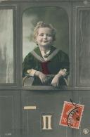 ENFANTS -  Jolie Carte Fantaisie  Portrait Petit Garçon Dans Train - Portraits