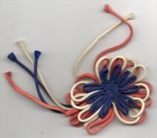 Boutonnière De Libération 1  Fleur Bleu ,blanc ,rouge - - Oggetti 'Ricordo Di'