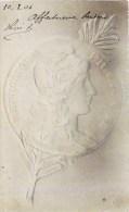 BELLE CPA GAUFREE : PIECE DE MONNAIE FRANCAISE LE FRANC MARIANNE PAR DANIEL DUPUIS COIN - Monnaies (représentations)