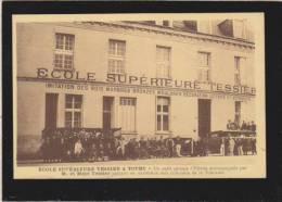 Tours - école Superieure Tessier, Groupe D'eleves Partant En Excursion  Aux Chateaux De Touraine - Tours