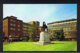 RB 981 - Postcard - The Godiva Statue - Buses And Owen & Owen Store - Coventry Warwickshire - Coventry