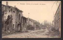 Cpa 55025 _ Verdun (Meuse) Intérieur De La Citadelle _ Un Bastion - Verdun