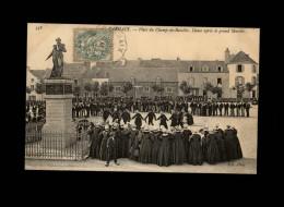 29 - CARHAIX - Statue - Danse - Carhaix-Plouguer