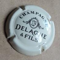 Capsule  De  Champagne -  Delagne Et Fils   - N°1 - Creme Et Noir - Champagne