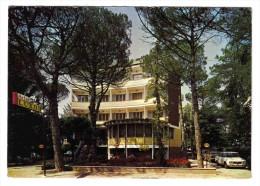 Hôtel LUXOR Viale Cadorna à MILAN Voir ZOOM Belle Alfa Romeo Giulietta - Passenger Cars