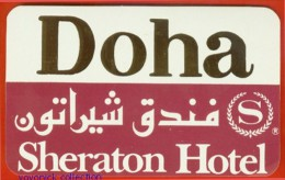 Voyo HOTEL SHERATON Doha Qatar Hotel Label  Sticker 1980s Vintage - Etiquettes D'hotels
