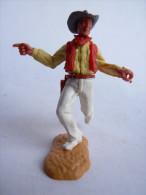 TIMPO TOYS - BRITAIN - COW BOY PIETON FUSIL MAIN GAUCHE MONTRE DU DOIGT CHEMISE JAUNE pantalon blanc (1)