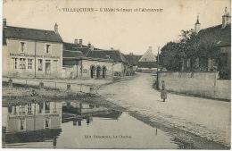 Villequiers Hotel Salmon Et Abreuvoir Edit Delayance La Charité Sur Loire Timbrée 1928 - France